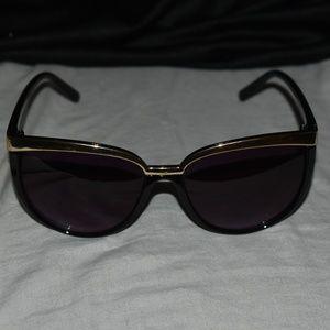Vintage Aldo Black and Gold Cat-Eye Sunglasses